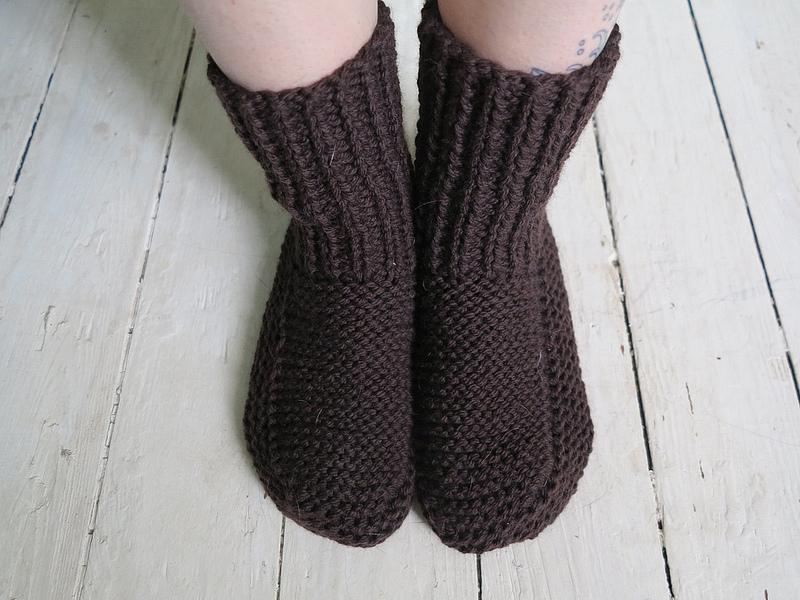 Knitting Grandma Slippers : Nolas slipper pattern « figs and things